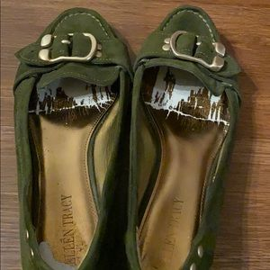 Ellen Tracy suede shoes